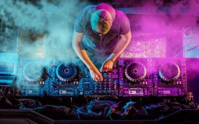 Chi vuole sentirsi DJ per un giorno ha il sito adatto!